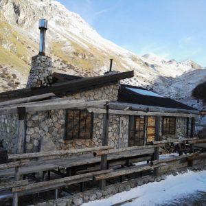 Rifugio Fioretti con la Neve