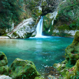 la cascata del lago di san benedetto a subiaco. monti simbruini