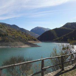 Lago del Turano nella Riserva Monti Navegna e Cervia